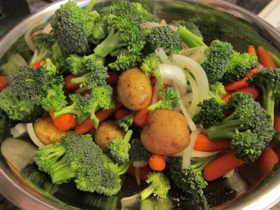 Broccoli, onion, baby cut carrots, teeny tiny potatoes. Oh you just know this is going to be good!